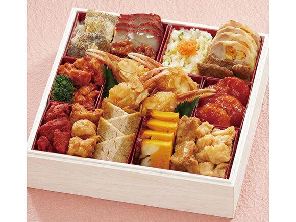 肉や魚介をスパイシーに調理した中華の参の重