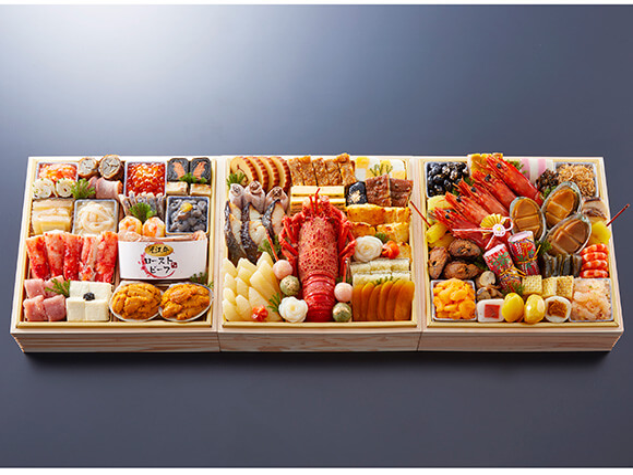 最上級の高級食材を盛り付けた祇園の料亭おせち